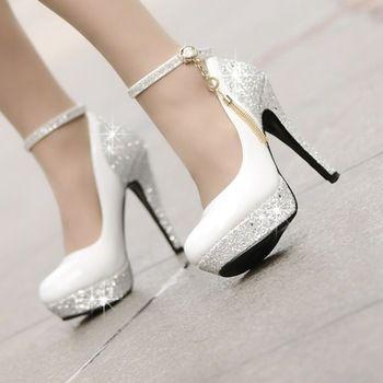 Chaussures à Talon, couleru Blanche, avec des Strass