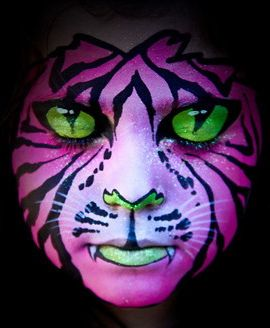 Cat facepaint. The eyes are painted on the eyelids: Cat Facepaint, Halloween Costumes, Faces Paintings, Body Paintings, Halloween Makeup, Colors Combinations, Makeup Eye, Tigers Eye, Close Eyelids