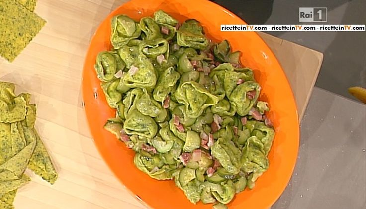 La ricetta dei tortelloni verdi con prosciutto e zucchine di Alessandra Spisni del 13 aprile 2015 – La prova del cuoco