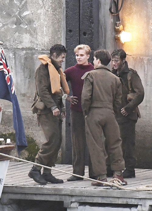 Harry Styles, Tom Glynn-Carney, Fionn Whitehead and Cillian Murphy on the set of Dunkirk in the UK - 28 July