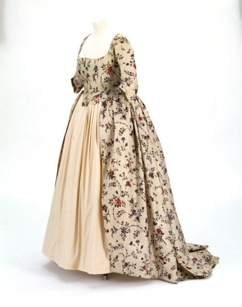 Robe à l'Anglaise  1780s  The Victoria & Albert Museum