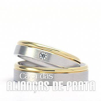 Par de alianças de compromisso em prata 950 Peso aproximado: 15 gramas o par Largura: 6 mm Pedra:1 Zirconia Anatômica  Acabamento Fosco e Liso