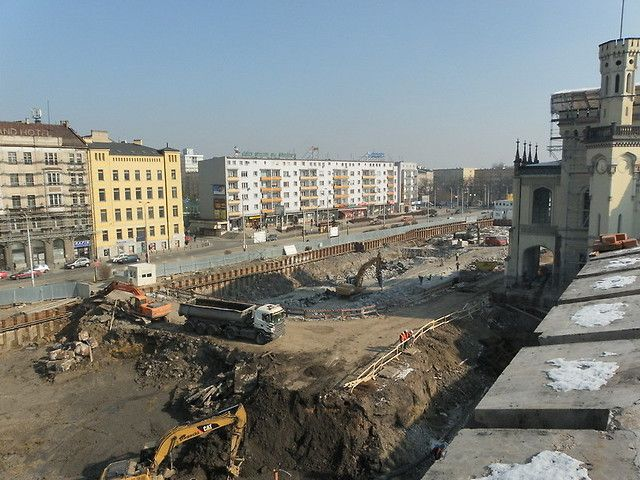 Ścianki szczelne, kotwy gruntowe, dworzec PKP Wrocław.