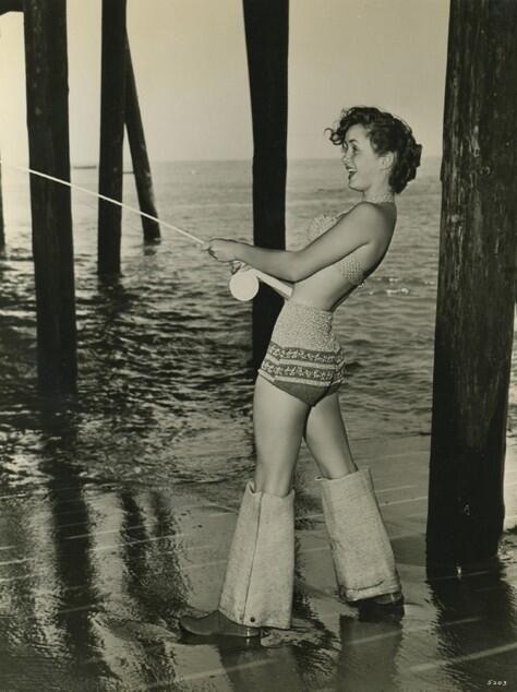 Young Debbie Reynolds Sexy image of y...
