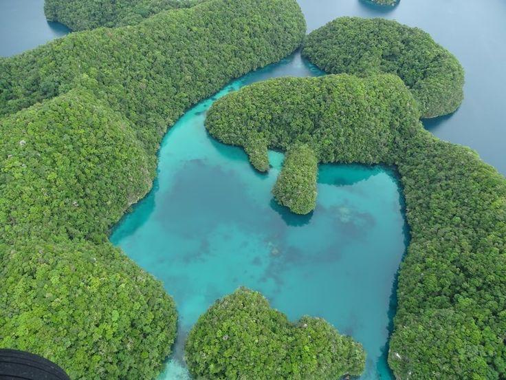 The incredible views of the Palau's Rock Islands - unforgettable. Read more: http://www.imperatortravel.ro/2017/02/dincolo-de-capatul-lumii-ep-3-in-zbor-peste-palau-cea-mai-frumoasa-experienta.html