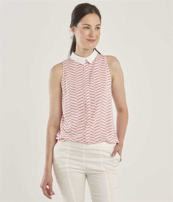 Women's blouse with contrasting collar