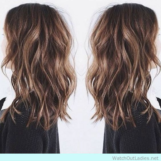 Californian beachy waves with sunkissed brunette balayage!! Check out now!!
