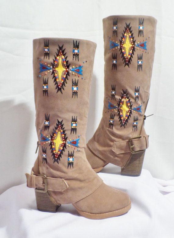 Hand painted boots by Rez Hoofs. Native American designer. #nativeamerican #nativeamericanfashion