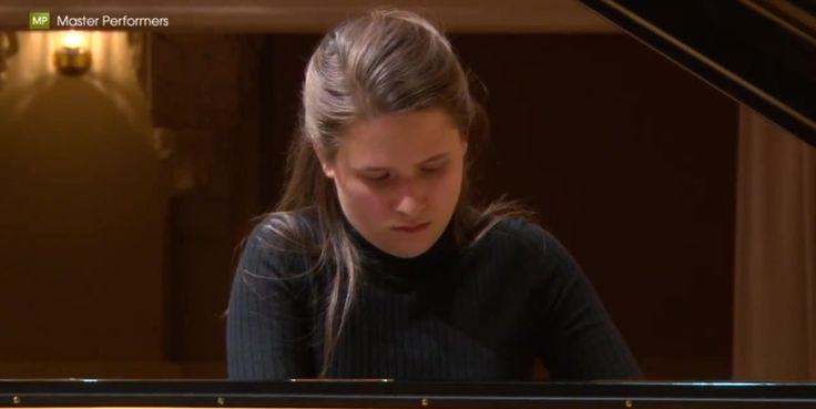 "Мarina Yakhlakova - ""Der Doppelgänger"" by Schubert-Liszt (S.560 №12 from..."