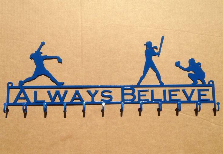 Softball-Medaille / Ribbon Halter mit einem Krug Teig und Fielder und benutzerdefinierte Textfeld (W25) by RustyRoosterMetal on Etsy