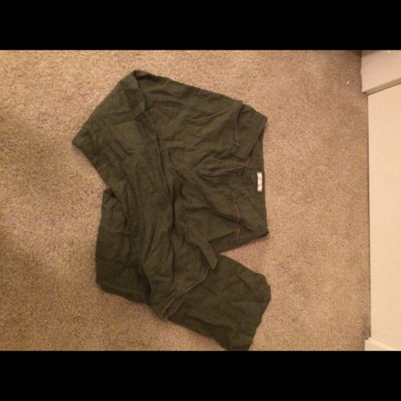 Super Cute Forest Green Pants Loose fitting forest green pants. Super soft and comfortable!!! I wear them around the house. Perfect condition! Pants Wide Leg