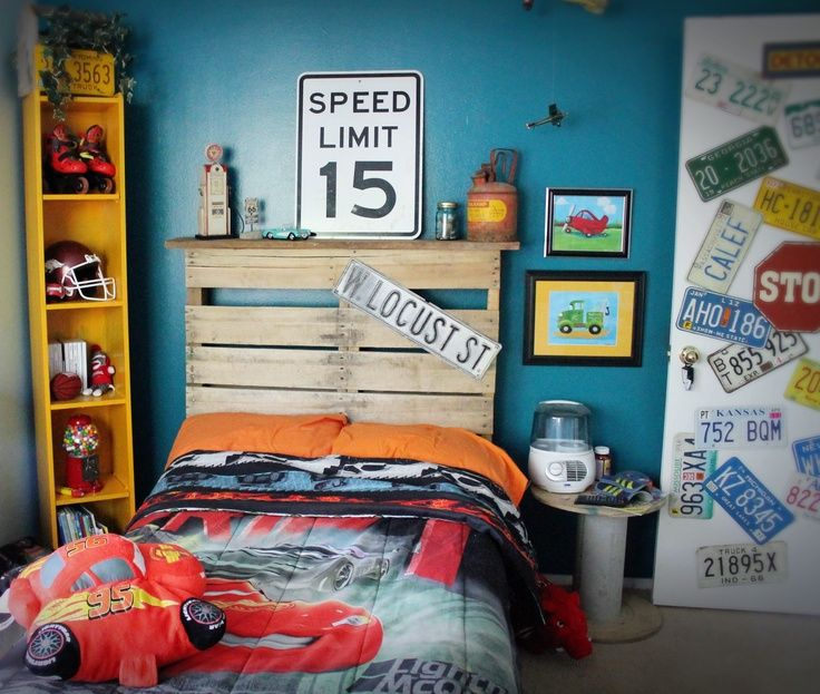 love the idea of street speed limit signs for a cars themed room