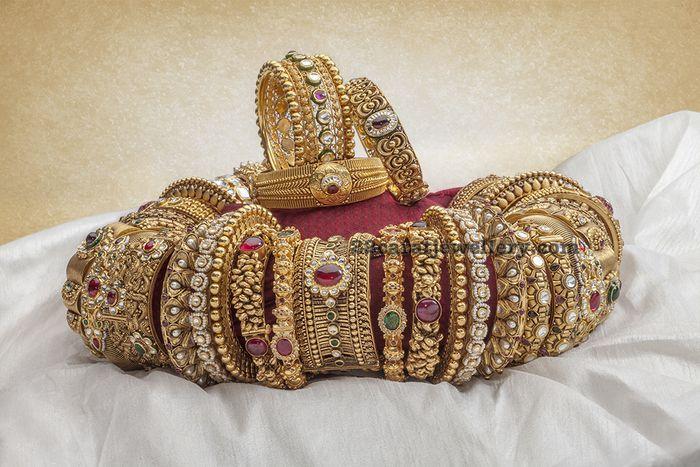 broad-bangles-from-neelkanth-jewellers1.jpg (700×467)