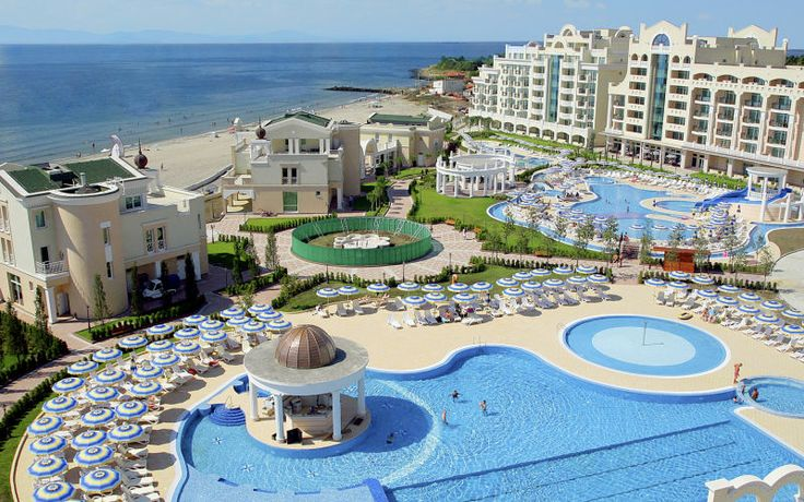 Sunset Resort er et fantastisk hotel, hvor den lange sandstrand ligger lige uden for døren. Her er alt, du behøver for en fuldendt ferie, og der er mange faciliteter er for både børn og voksne. Se mere på http://www.apollorejser.dk/rejser/europa/bulgarien/burgaskysten/nessebar-og-pomorie/hoteller/sunset-resort