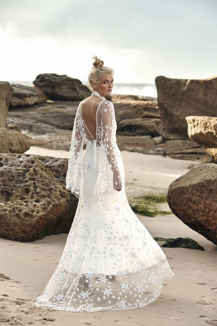 11 best Wedding images on Pinterest | Wedding frocks, Bridal gowns ...