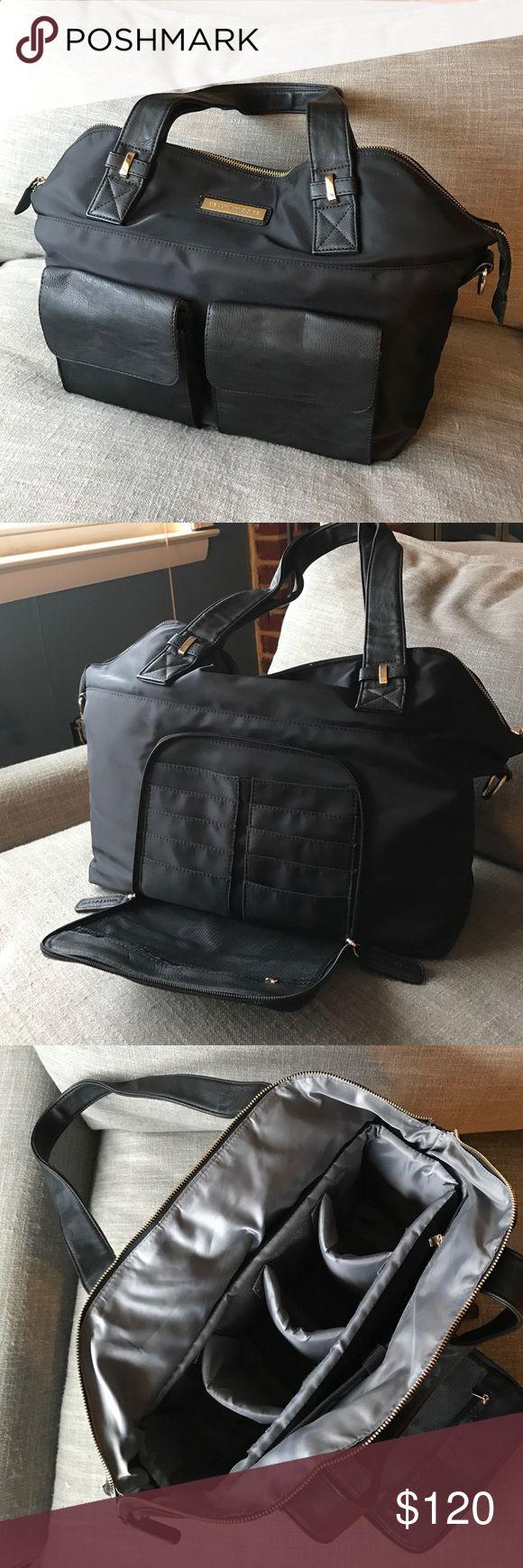 Kelly Moore black Ponder camera bag Kelly Moore camera bag, style Ponder, all black! Only used twice, in perfect condition. kelly moore Bags Shoulder Bags