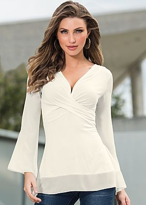 Chiffon sleeve top: perfect business casual top or for date night!