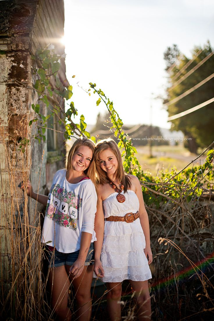 twinsPictures Ideas, Photos, Girls Pics, Twin Girl Pictures Portraits, Pics Poses, Sisters Photography, Sisters Pictures, Pics Ideas, Senior