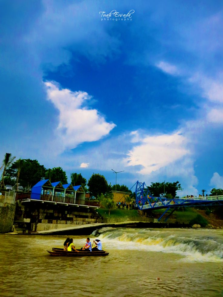 Boating | Ah-Poong River | restaurant | Tuah Ersada Photography. http://www.yahz.wordpress.com
