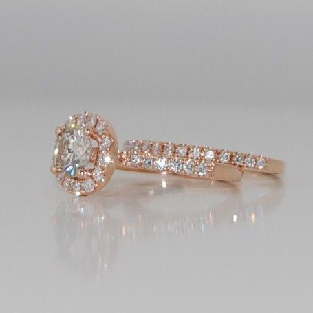 champagne diamond ring <3 these champagne wedding rings are stunning!! My favorite right now!
