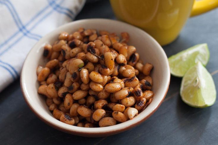 Chilli Roasted Black Eyed Peas Recipe A high protein rich snack made from black eyed peas that is roasted well with chilli sauce and seasoned with dried herbs. #IndianSnackRecipes #EasyEveningSanckRecipes #IndianRecipes
