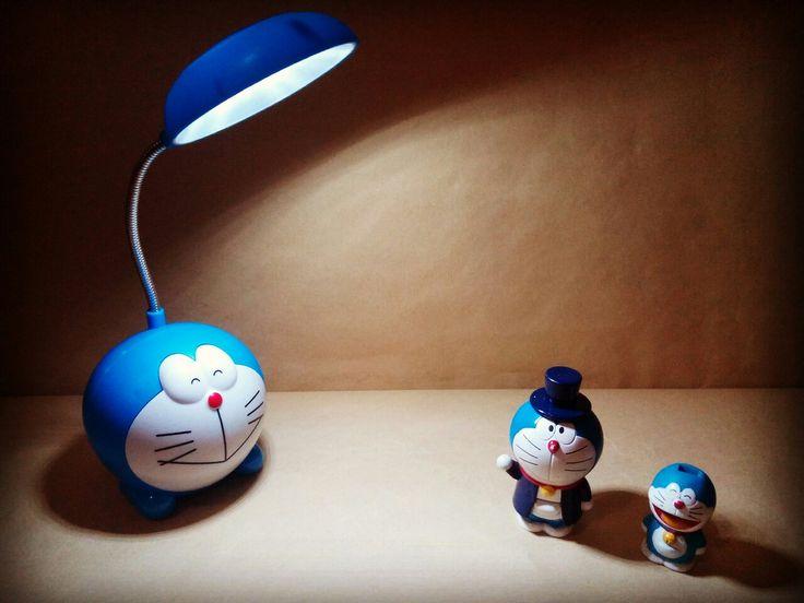 Lampu Belajar Doraemon diameter 10cm tinggi gagang 8cm bisa di-charge  harga Rp55.000  How to Buy: Ketik nama barang - nama lengkap - alamat lengkap - no hp  Kirim ke: BBM 5BB820D7 Line @rqa4794f  #lampudoraemon #lampubelajardoraemon #pernakpernikdoraemonbandung #tokodoraemon #jualdoraemon