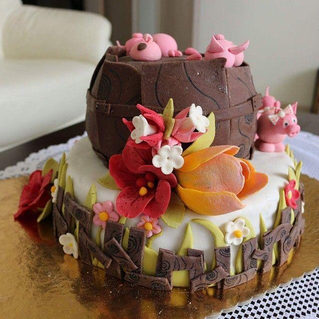 #pig #birthday #birthdaycake #flower #homemade #baking #cake #torte