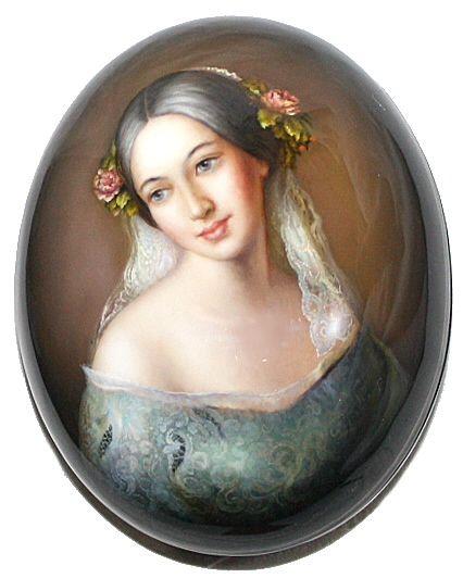 """Portrait Of Beauty"" Lacquer Art by Yuriy Businskiy (Fediskino)"