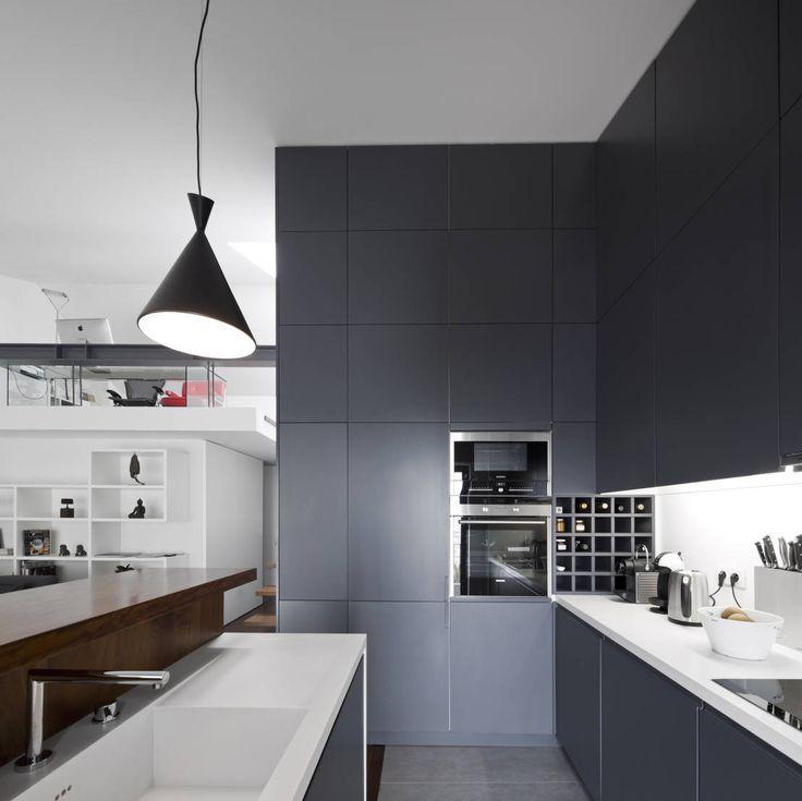 Modernistyczna kuchnia , nowoczesna kuchnia. Zobacz więcej na: https://www.homify.pl/katalogi-inspiracji/50718/kuchnia-nowoczesna-na-10-sposobow