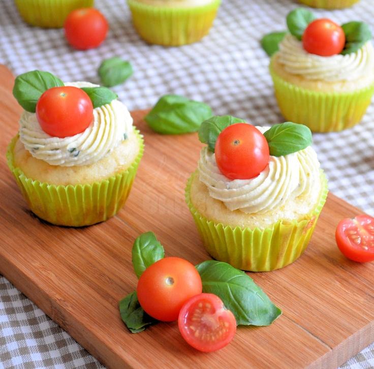 Laura's Bakery: Hartige caprese cupcakes