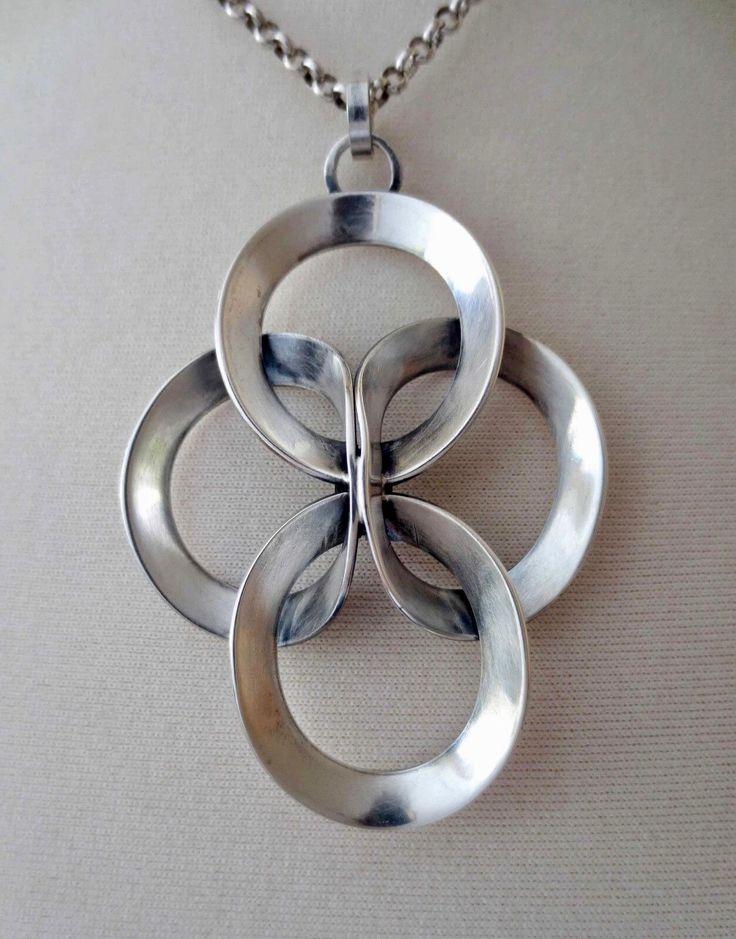 Erik Granit (FI), modernist sterling silver necklace featuring interlocked rings, 1973. #finland #ebay   finlandjewelry.com
