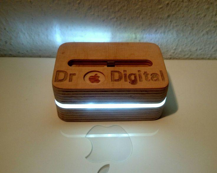 iphone Ladestation, Nachtlicht station, holz Station, iphone 5,6,7, mit Namengravur von NightLightSJ auf Etsy