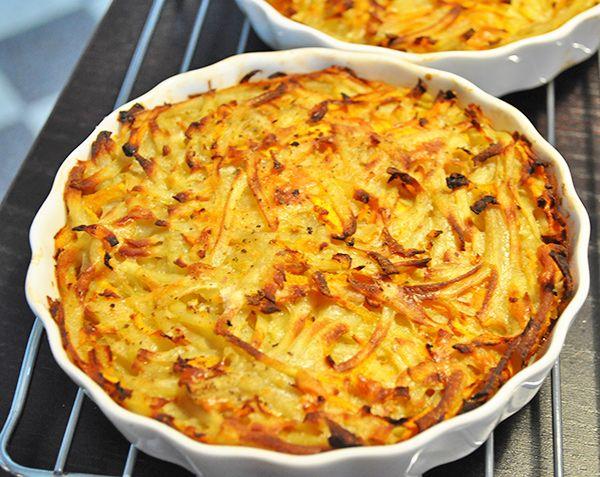 <p>Kartofler er ikke det, der tager længst tid, men de kan blive lidt kedelige som tilbehør. Indtil de nye kartofler […]</p> <div class=