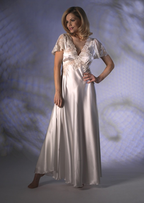 Trousseau Exquisite Long Ivory Pure Silk Nightgown With