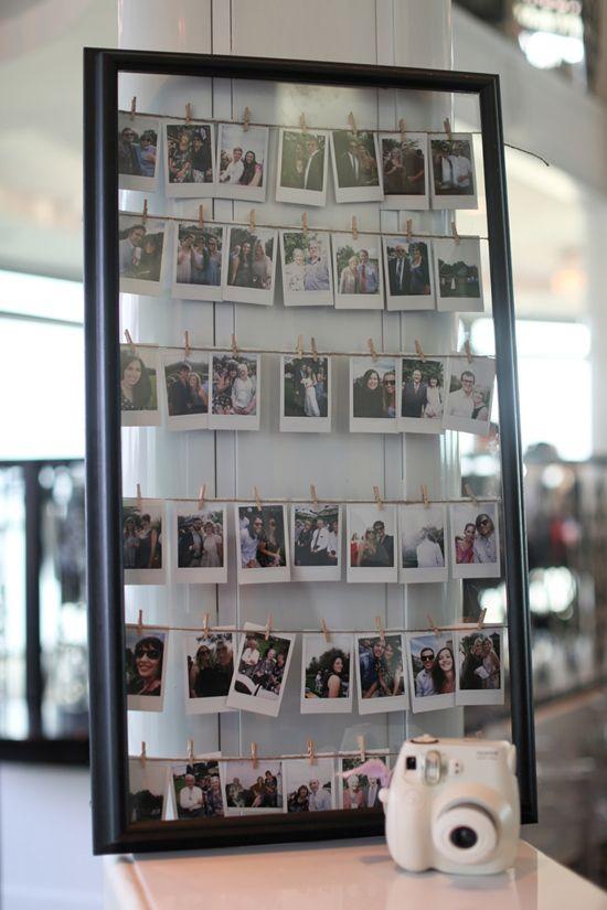 polaroid raccolte in una grande cornice: gli ospiti potranno lasciare un messaggio sulle loro foto #sposifaidate