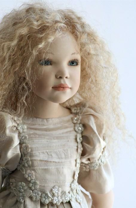 such a gorgeous doll....