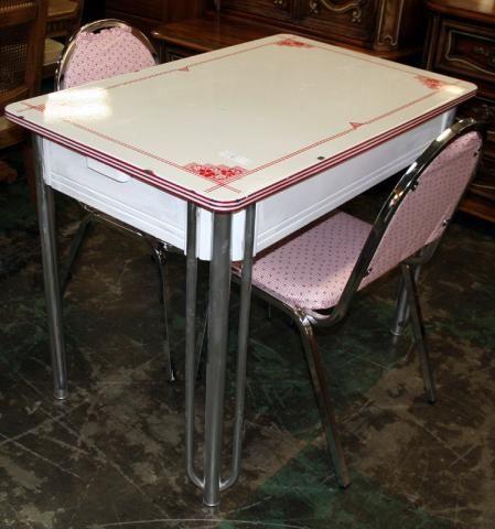 Vintage Dinette Set...  rossauction.com