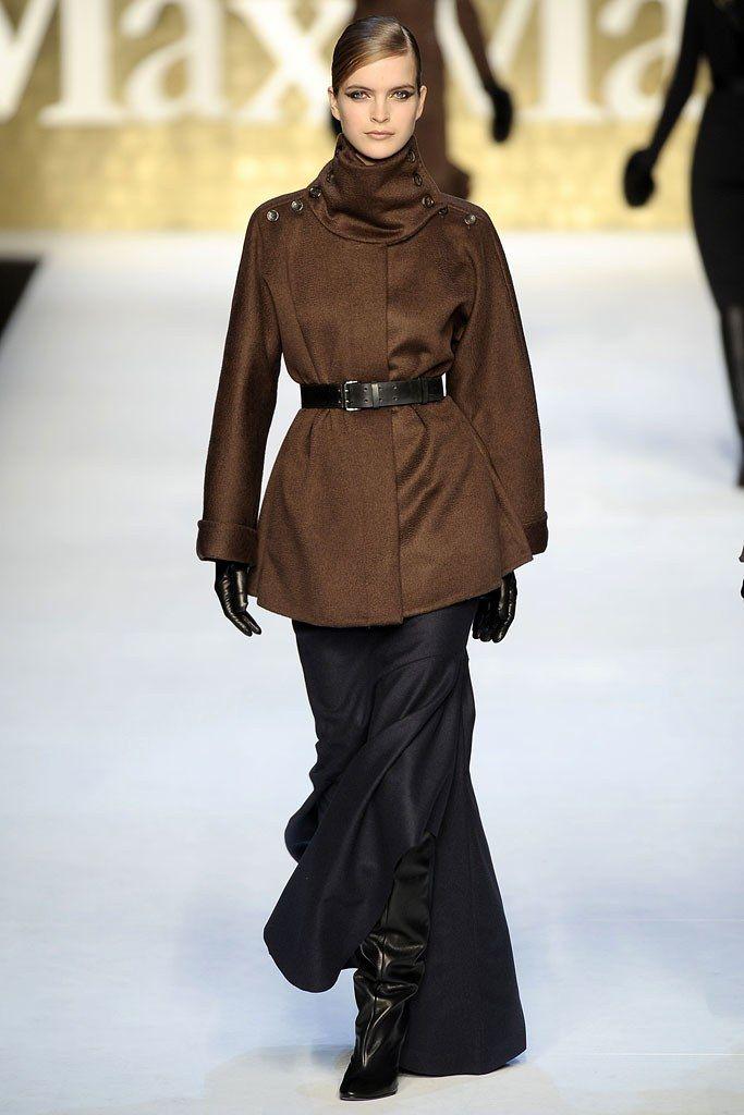 Max Mara Fall 2010 Ready-to-Wear Fashion Show - Mirte Maas