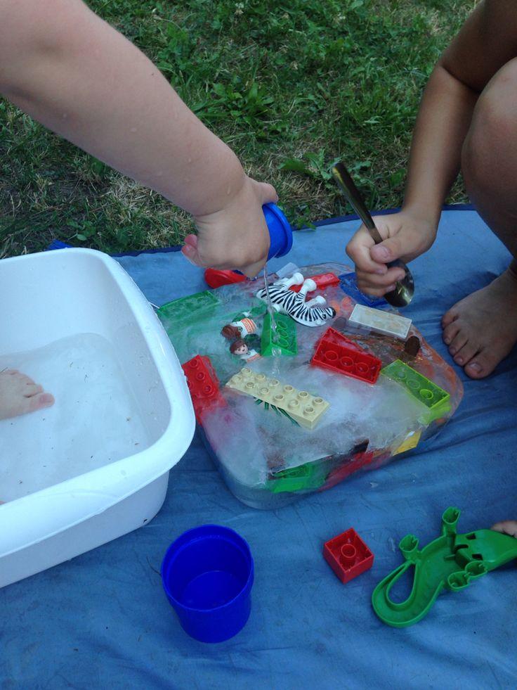 Sommer Wasser-Spiele mit Eis Spielzeug einfrieren und wieder ausgraben