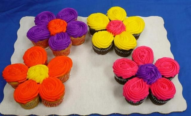 This would go great with the rainbow theme birthday I plan to do for my girls!