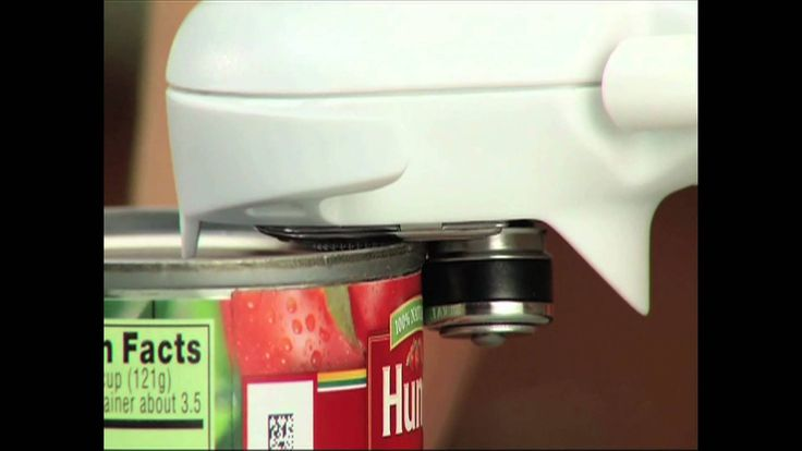 Pampered Chef Can Opener - The Smoother Way to Open Cans Order yours on my website at http://pamperedchef.biz/michelleowen?page=products-detail&categoryId=123&itemId=2759&productId=31349