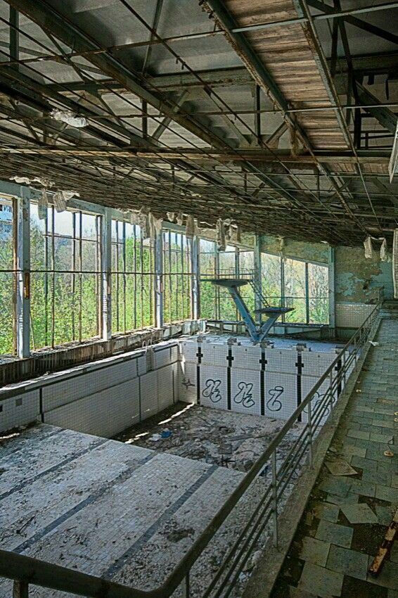 1000 Images About Abandoned Pools Amp Parks On Pinterest