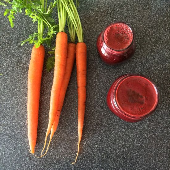 Get your juice on with this lovely Springtime Glow: Fresh Beet, Orange, and Carrot Juice. Anti-inflammatory, detoxifying, and immune-boosting.