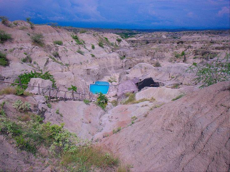 ¿Y qué tal suena descubrir una piscina natural en medio del desierto de Tatacoa?