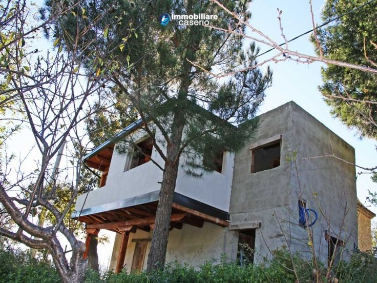#abruzzo #chieti #propertyforsale At the moment the property is being renovated and comprises of: 4 en-suite bedrooms, living room with kitchen and dining area of about 60 sq.mt. including a fireplace and balcony with panoramic view, a portico and a terrace on one side, 2 cellars and about 4 hectares of land with olive trees and oak trees. Ideal investment as a B&B or farmhouse…