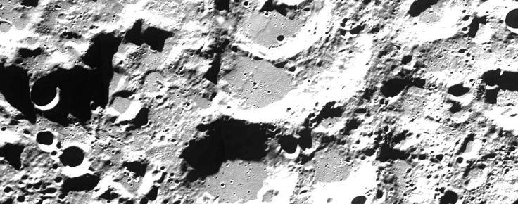 Si vous en avez un peu marre de l'ambiance morose, voire morbide, de notre vieille planète Terre, vous pouvez aller faire un tour sur la lune ou sur mars grâce aux outils de Google... En effet, Google Moon et Google Mars vous emmènent en un clic découvrir...