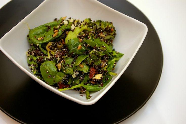 Sałatka z Quinoa http://www.fitness-food.pl/blog/przepisy-na-salatki/