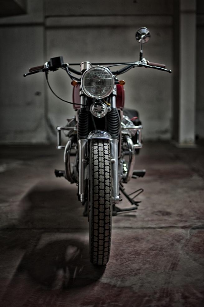 #custom #motorcycles Motorecyclos bikes Brit-Brum #scrambler based on #Honda cx 500