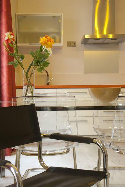 Seville Flor Naranja Aparment : Living Room.Salón