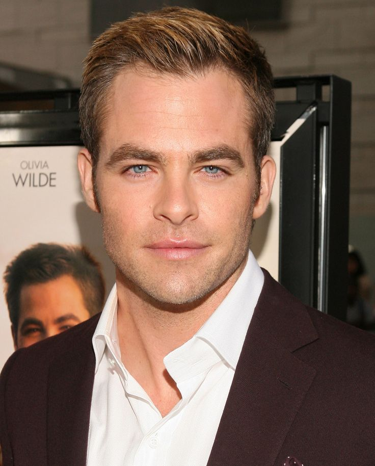 "Chris Pine Photos - Film Independent's 2012 Los Angeles Film Festival Premiere Of DreamWorks Pictures' ""People Like Us"" - Red Carpet - Zimbio"